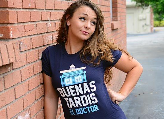 Buenas Tardis on Juniors T-Shirt