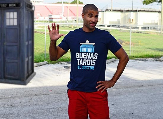 Buenas Tardis on Mens T-Shirt