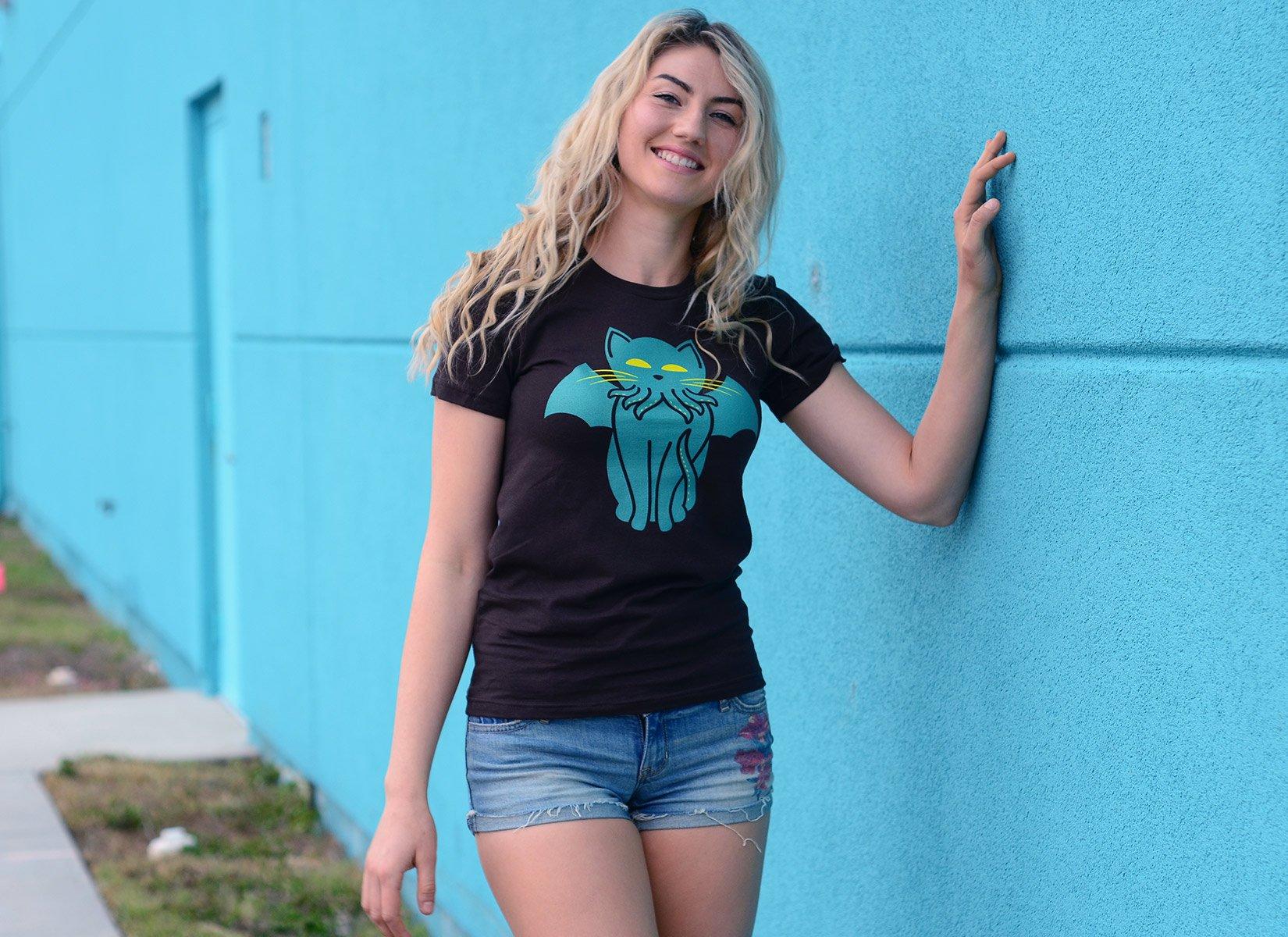 Cathulhu on Juniors T-Shirt