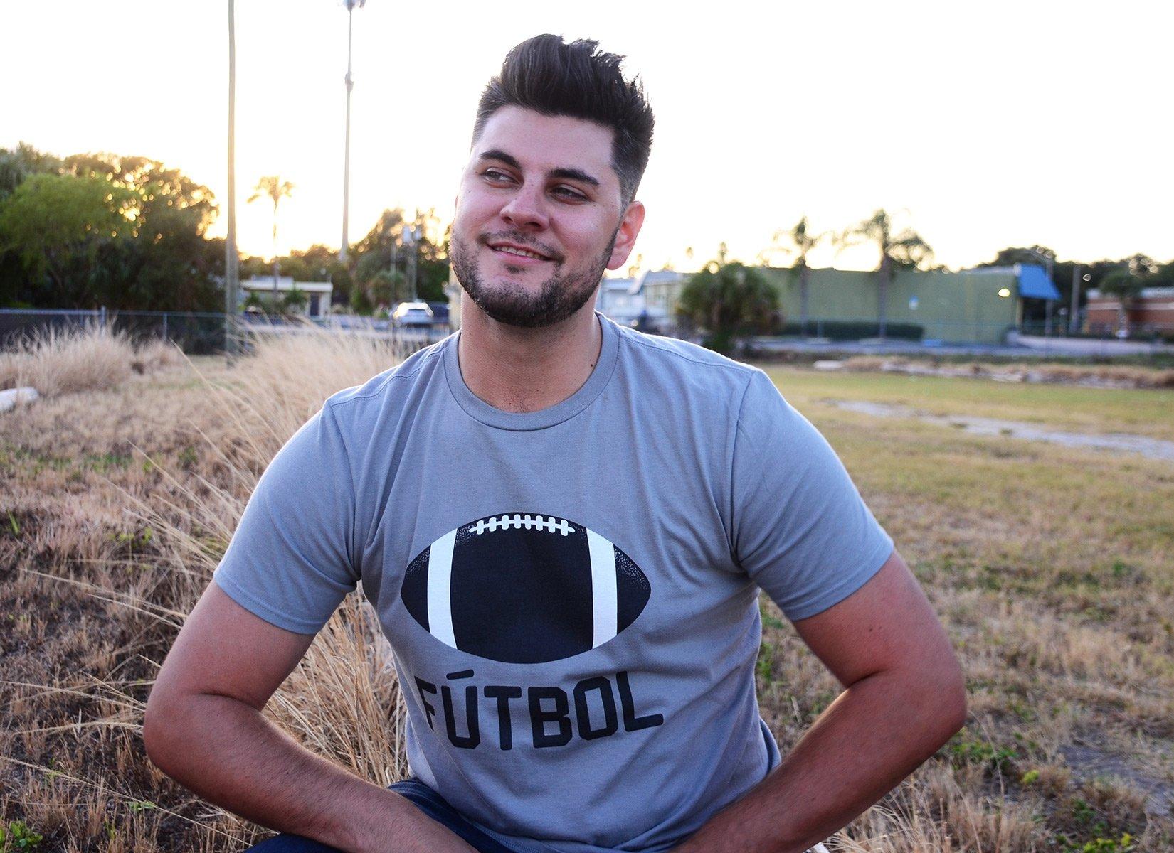 Futbol on Mens T-Shirt