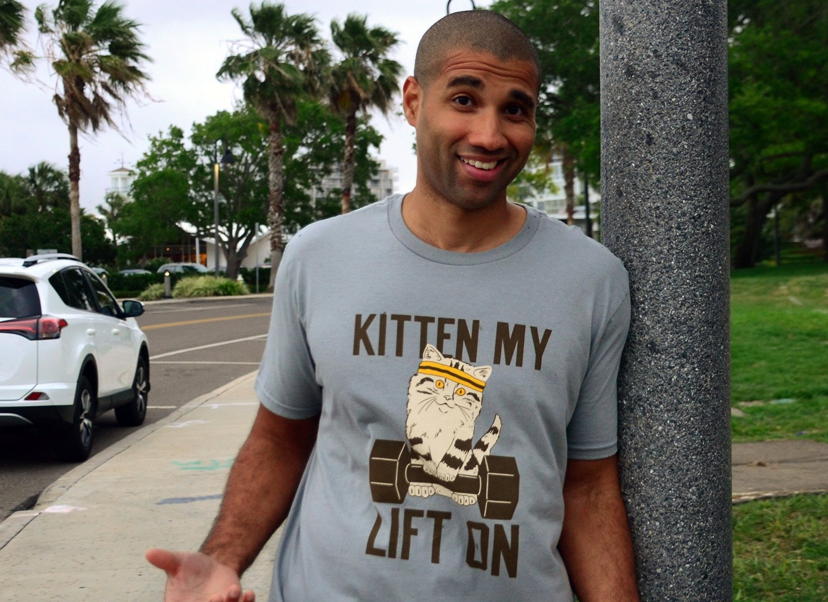 Kitten My Lift On on Mens T-Shirt